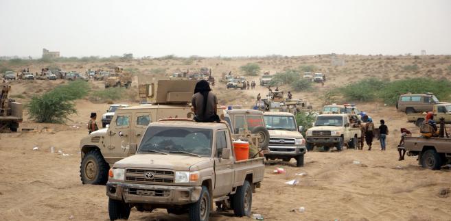 Dodał też, że spodziewa się w przyszłym tygodniu zawieszenia blokady lotniska w Sanie przez międzynarodową koalicję dowodzoną przez Arabię Saudyjską, co umożliwiłoby przedstawicielom rebeliantów przybycie na rozmowy.