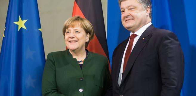"""Merkel podkreśliła, że Niemcy oddały część swojej suwerenności na rzecz Unii Europejskiej, wskazała jednak, że to """"państwa (członkowskie) pozostają panami traktatów""""."""
