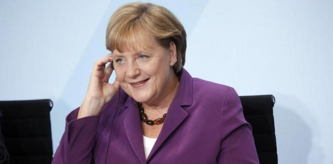 """Niemiecka kanclerz """"radykalnie zmieniła swoje zachowanie wobec Grecji"""" - zauważa niemiecka prasa."""