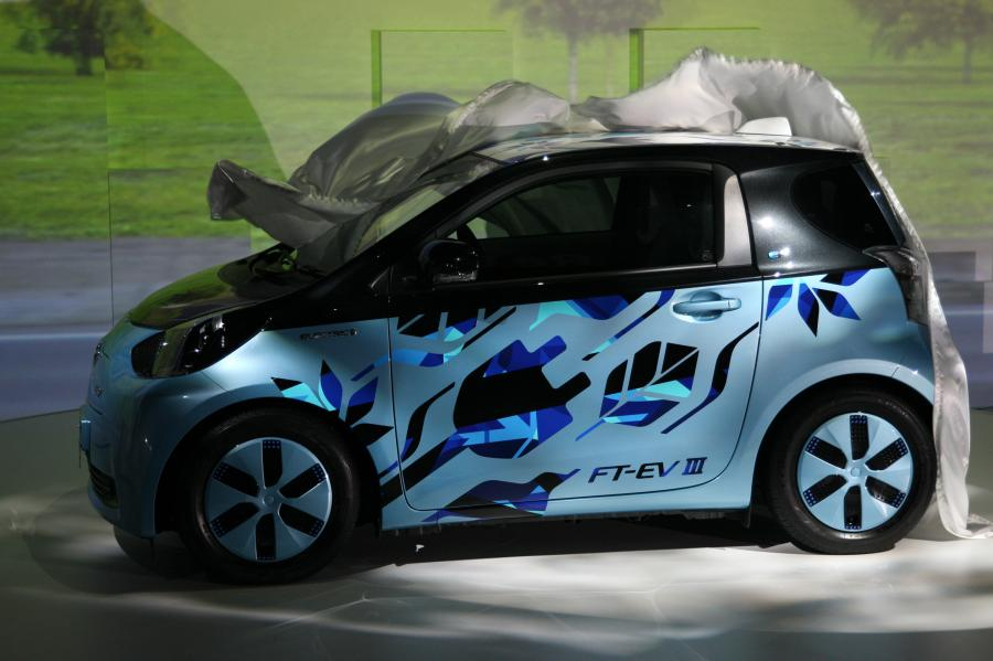 Koncepcyjny model marki Toyota FT- EV III