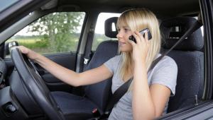 Jak długo czeka się na połączenie z konsultantem w towarzystwach ubezpieczeniowych?