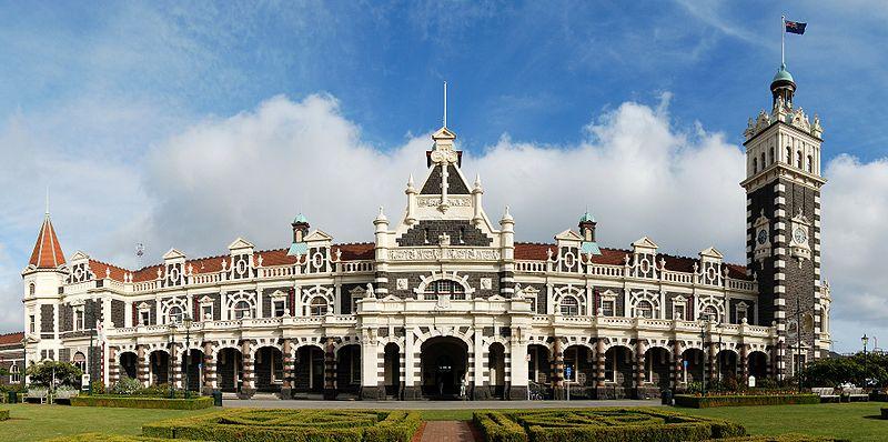 Stacja kolejowa Dunedin w Nowej Zelandii