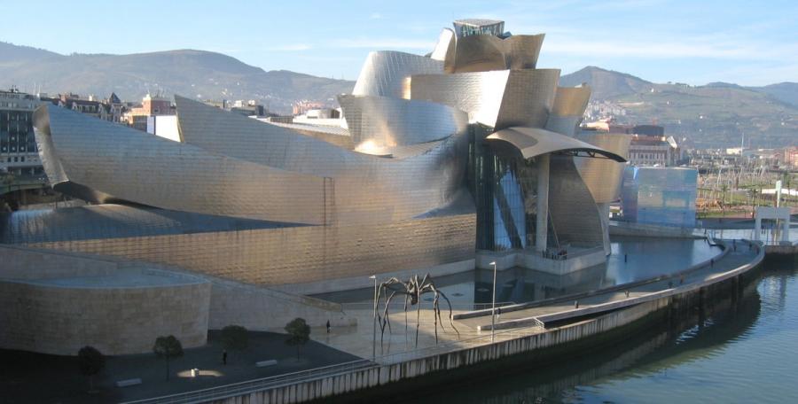 Muzeum Guggenheima w Bilbao – hiszpańskie muzeum sztuki współczesnej, mieszczące się w Bilbao, w budynku zaprojektowanym przez Franka O. Gehry'ego. W swoich zbiorach posiada ono m.in. prace Eduardo Chillidy, Andy Warhola, Willema de Kooning i Roberta Rauschenberga