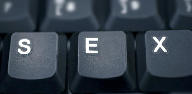 Czasy, kiedy erotyka była tylko na żywo, a nie na ekranie komputera, odchodzą w przeszłość